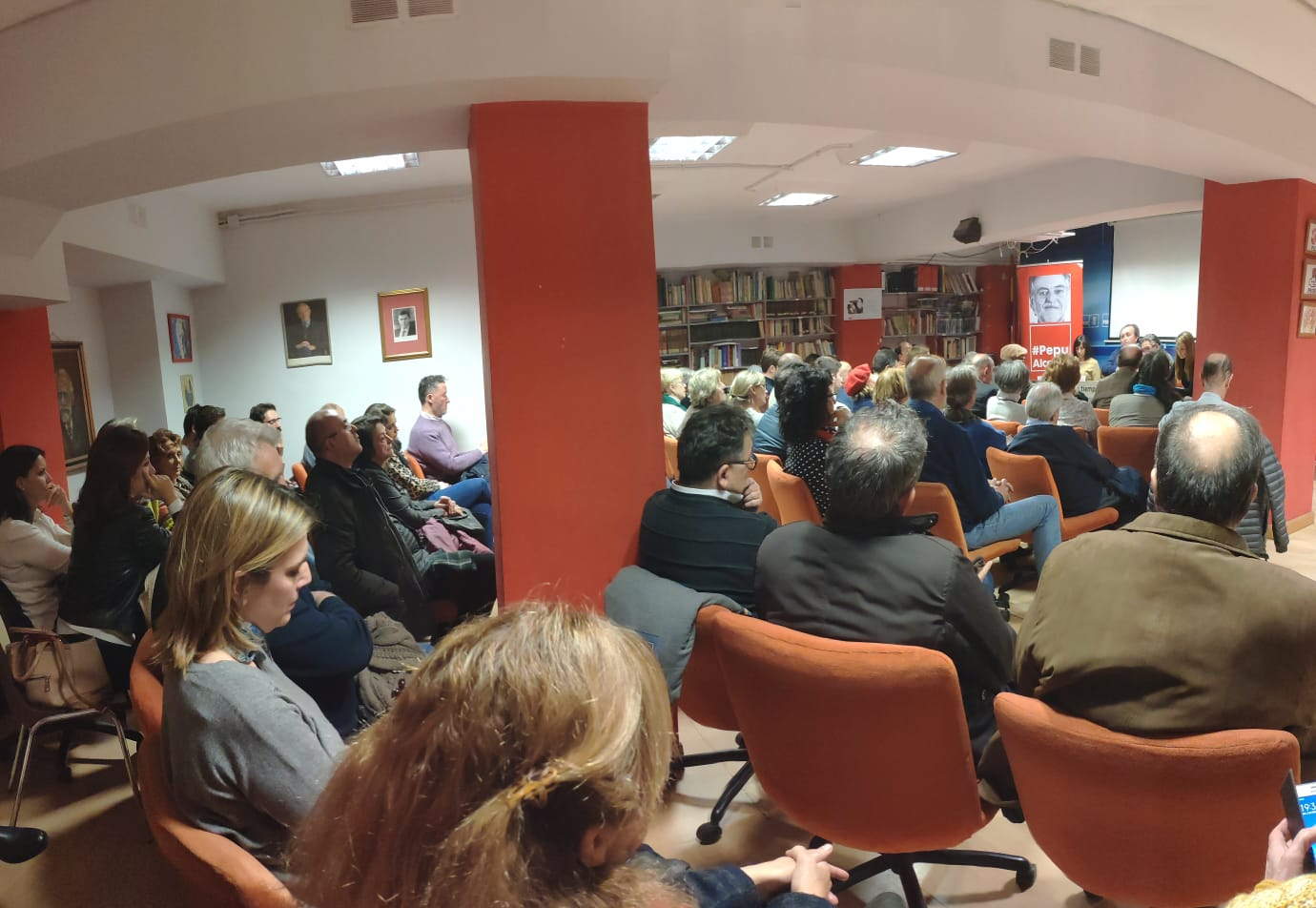 #PepuAlcalde se reúne en PSOE Chamberí con militantes.