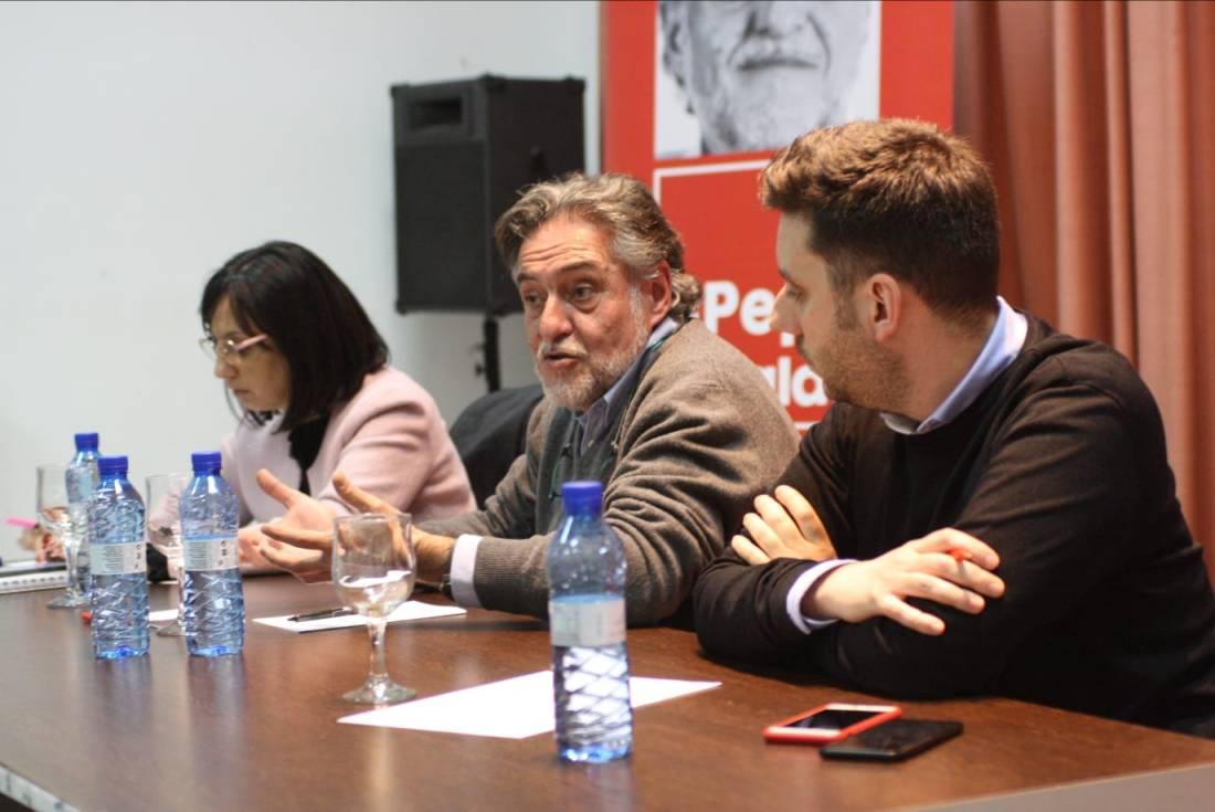 #PepuAlcalde visita PSOE Tetuán reuniéndose con militantes.