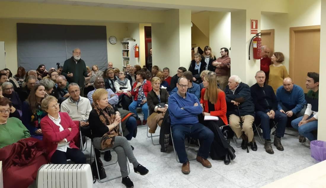 #PepuAlcalde visita PSOE Ciudad Lineal reuniéndose con militantes.