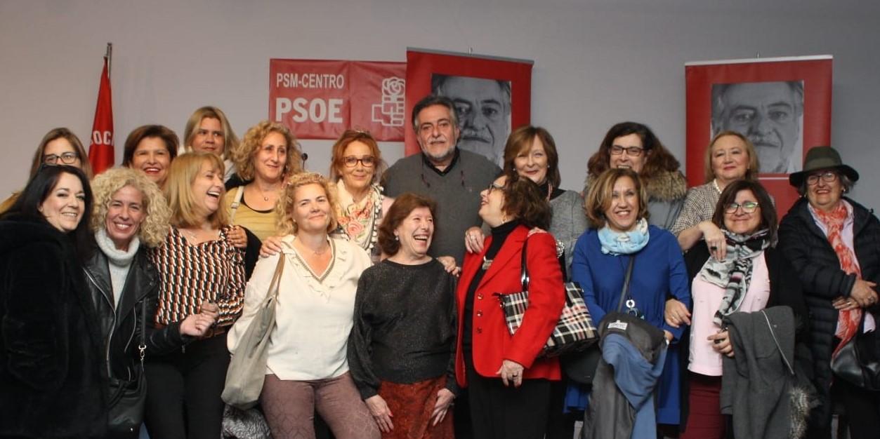 #PepuAlcalde con vecinas y militantes en la sede del PSOE Centro.
