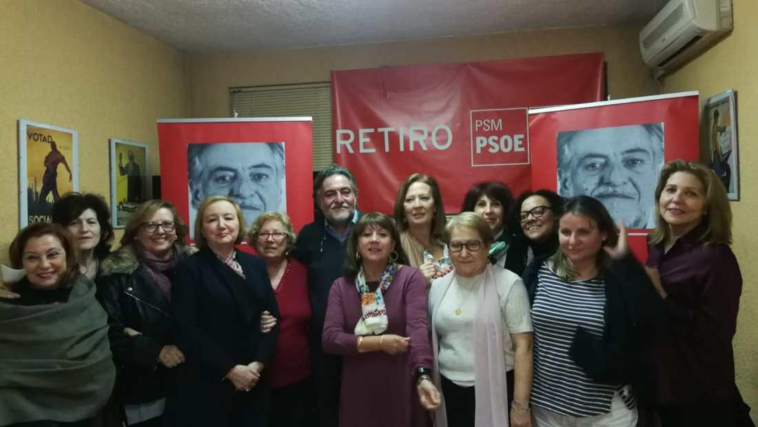 #PepuAlcalde con vecinas y militantes en la sede del PSOE Retiro.