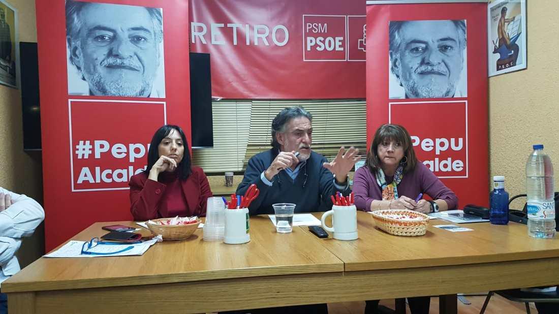 #PepuAlcalde visita PSOE Retiro reuniéndose con militantes.
