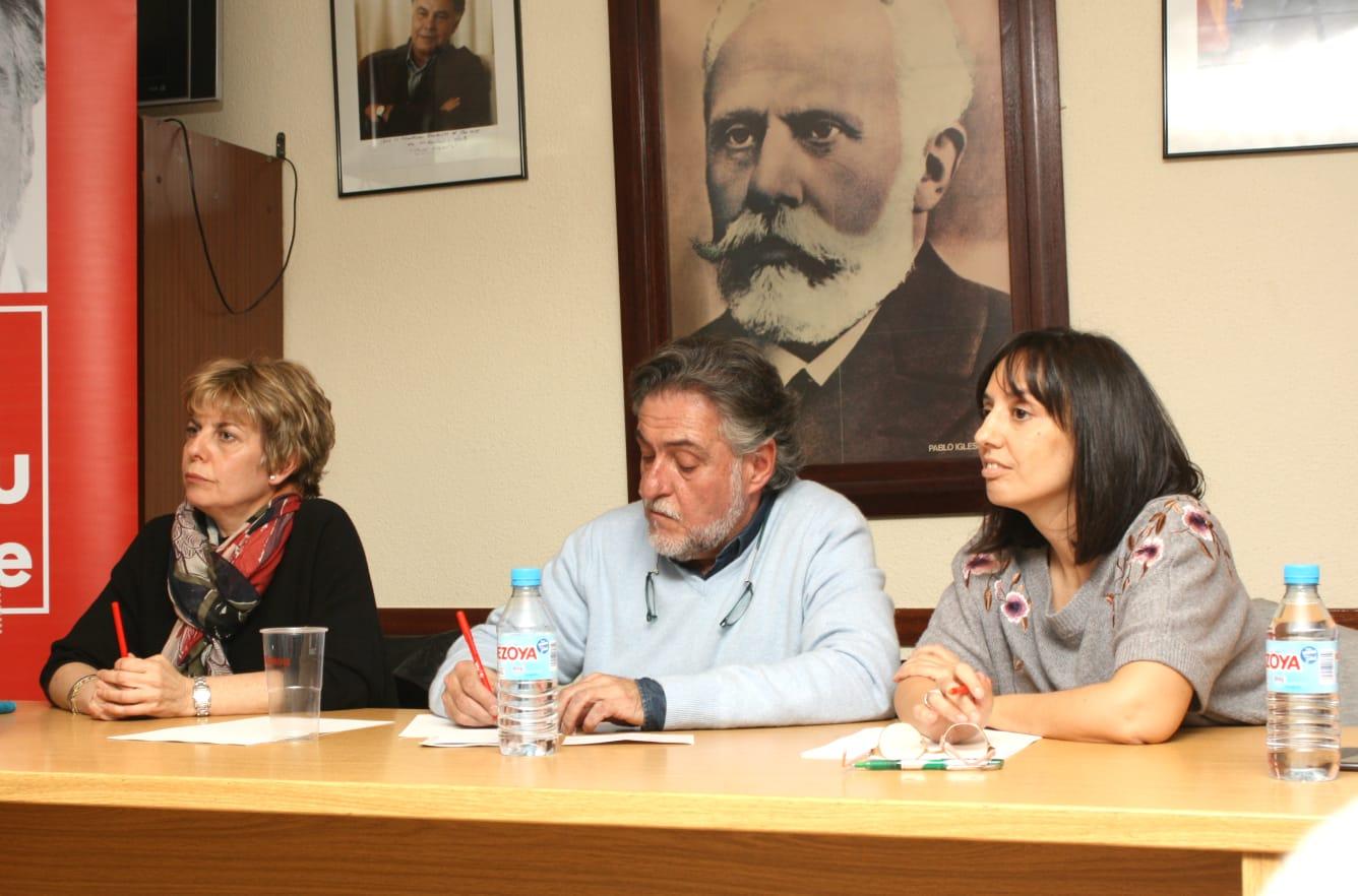 #PepuAlcalde visita PSOE San Blas-Canillejas reuniéndose con militantes.